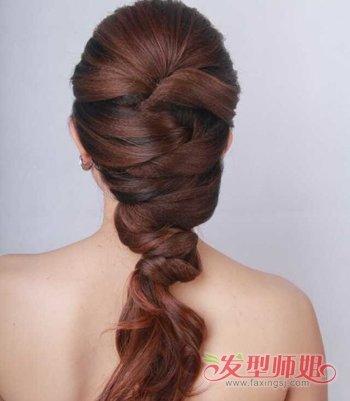 头发长结婚如何盘好看 婚礼盘头发简单步骤(2)图片