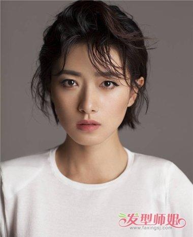 发型师姐编辑:jane 分享到  女生的脸型是宽宽的脸型,梳什么样的发型