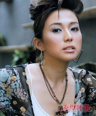 30岁无刘海高盘发发型图片