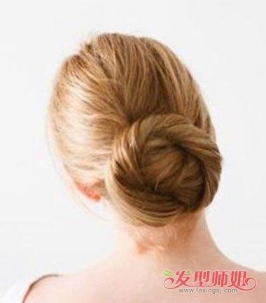 中年女士气质环绕低盘发发型图片
