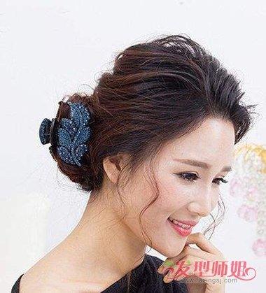 中年妈妈盘头发的步骤及图解 中年妈妈头发少怎么盘发图片