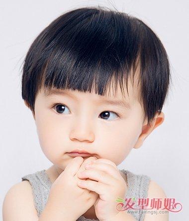 小女孩齐刘海超短发发型图片