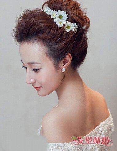 发型设计 新娘发型 >> 影楼新娘短发结合长假发发型 2019影楼写真发型图片