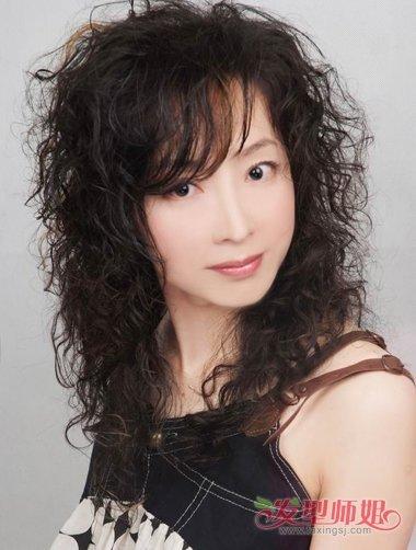 女士简单精神大方成熟的发型 简单大方的发型