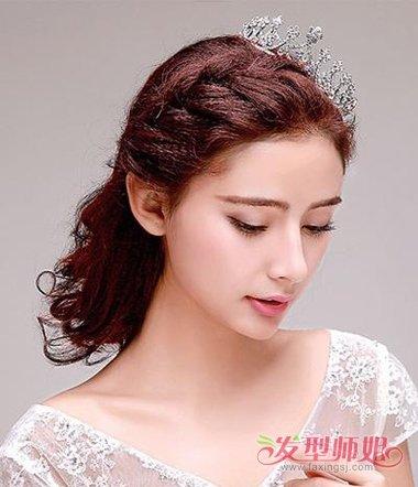 发型设计 新娘发型 >> 影楼新娘发型图片加文字步骤 2018影楼流行新娘图片