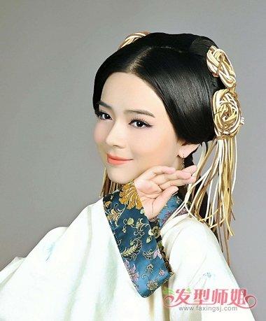汉朝古风发型如何挽 挽蓬松头发技巧(4)图片
