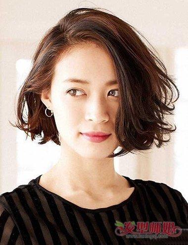 2018气质女生短发发型 18年流行气质短发发型图库图片