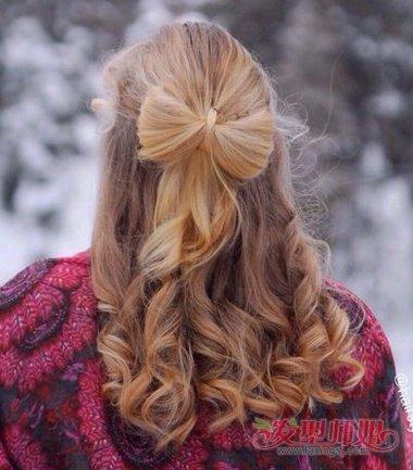 女生卷发扎蝴蝶结发型图片