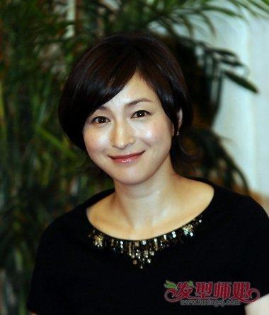 现在流行的女生短发型 圆脸女人适合短头发发型图(2)图片