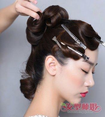 端庄中年人的发型 端庄中年女士盘发教程图解(4)图片