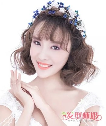 2018年结婚当天短发新娘造型图片 短发女生结婚戴皇冠图片