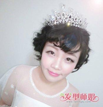 2018年结婚当天短发新娘造型图片 短发女生结婚戴皇冠发型