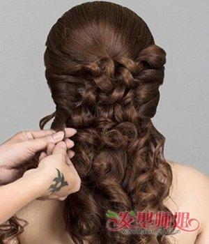 新娘婚礼上适合梳什么发型 结婚用的新娘发型编织法教程(4)图片