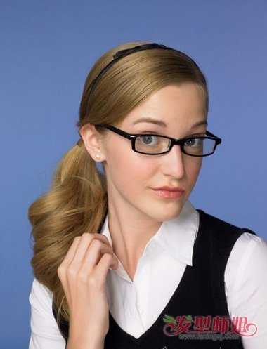 今年流行什么发型带眼镜女 戴眼镜女人发型大全图片