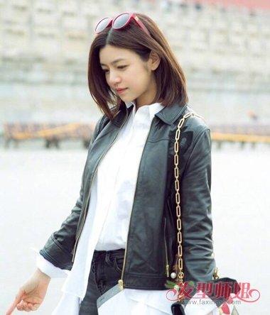 陈妍希产后街拍秀清纯 黑色马甲晚春也百搭_发型师姐图片