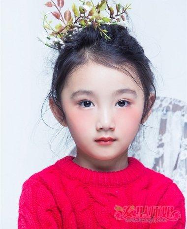 发型设计 儿童发型 >> 女童过年发型 女童最好看的发型(2)  2018-01图片