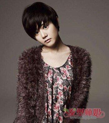 年轻人穿皮草适合什么发型 显年轻的女性干练短发发型图片