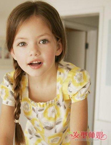 女童发型简单漂亮一直都是重中之重,只是如何让小女孩的美变的不露图片