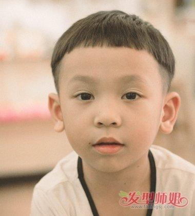 六岁小孩剪什么发型帅气 帅气小孩锅盖头发型(3)图片