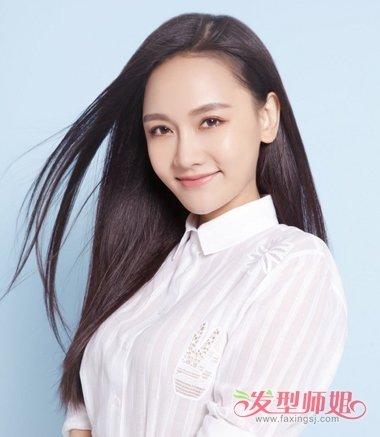 年轻女生气质偏梳长直发发型