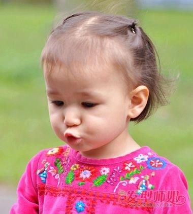 分享到  宝宝 扎头发,一定要知道扎起来的发型,适合多 长头发的宝宝图片
