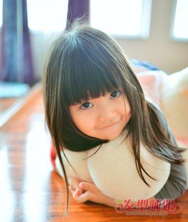 发型设计 儿童发型 >> 梳9岁小孩漂亮的发型 漂亮简单的发型教我(3)图片