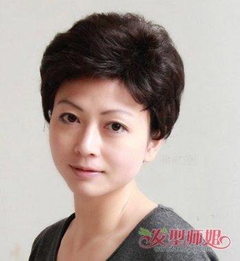 发型设计 中年发型 >> 老年人显年轻发型设计 如何让自己显年轻(2)图片