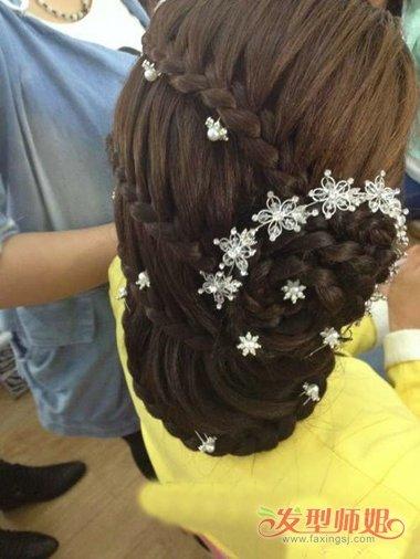 00后女生头型与发型方法 00后发型设计女生长发扎法(3图片