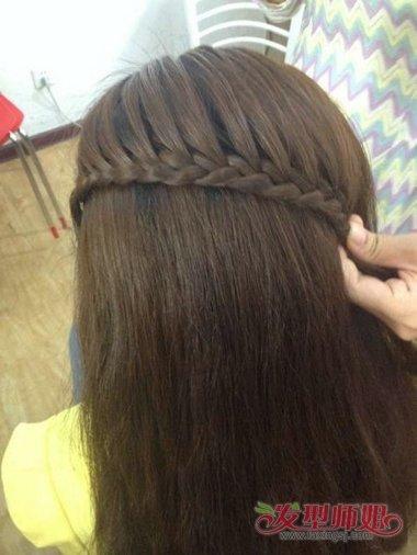 00后女生头型与发型方法 00后发型设计女生长发扎法图片