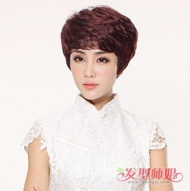 头发量少的人适合什么发型 五十岁女人头顶发少应该梳图片