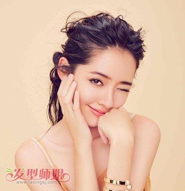 扎马尾的熟女范儿郭碧婷 这样拍照好女神_发型师姐图片