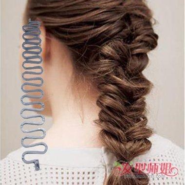 发型diy 编发 >> 蜈蚣蜘蛛盘发器使用说明 什么样的盘发器好用(3)图片