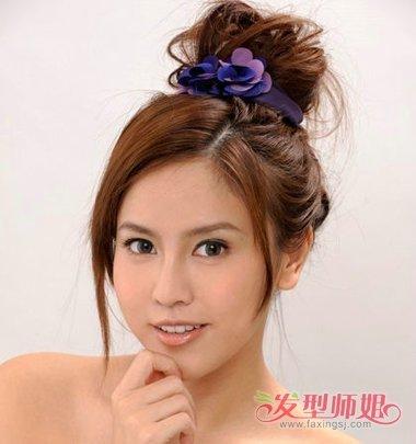 刘海造型,长发在发顶位置做成蓬松感的丸子头扎发,在发根位置使用精美图片