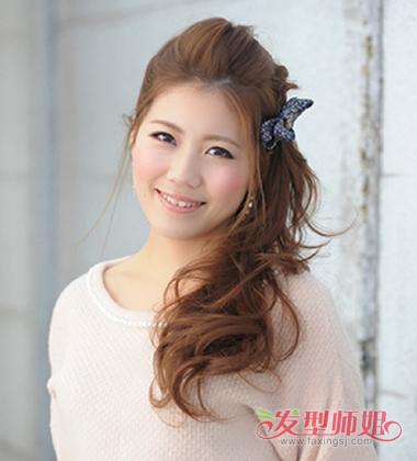 刘海侧扎发发型,要将发际线的头发顺着额头梳到两边,鬓角的头发有简单图片