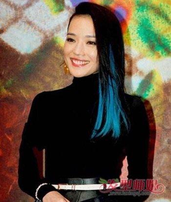 发型师姐编辑:aainforest 分享到  梳气质大偏分黑色中长直发的女生