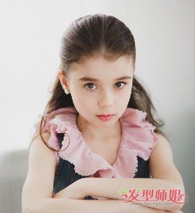 发型设计 儿童发型 >> 像洋娃娃那种头发怎么扎 宝宝娃娃头怎么扎头发图片