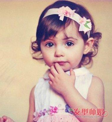 短发洋娃娃发型 孩子娃娃头短发扎小辫发型图片