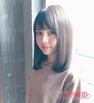 2018流行斜刘海中发发型图片  额头小的中长 直发女生今年梳斜刘海