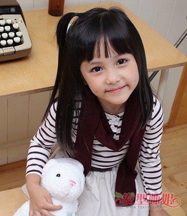 儿童发型 >> 小学生最美的梳头方式越来越有内涵气质 最美小女孩梳头图片