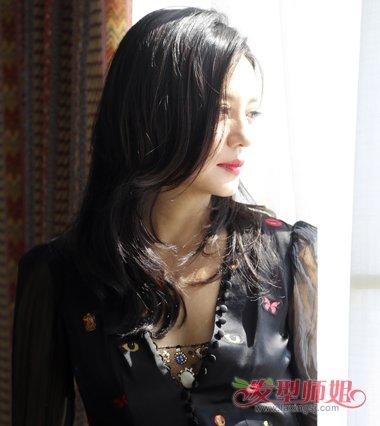 赵薇中年女士减龄气质发型   黄晓明,赵薇,周冬雨以及张亮四人一起图片