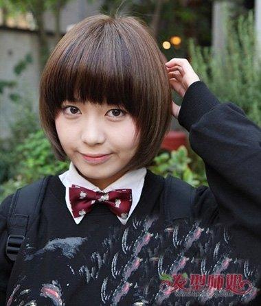 脸型女孩短发>>适合发型的圆脸剪的学生脸圆的短发剪女生好(4短发要当兵提前剪圆脸图片