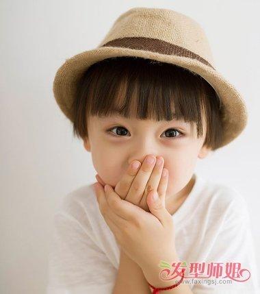 儿童齐刘海娃娃头短发发型图片