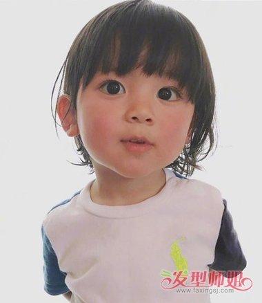 小女孩齐刘海图片
