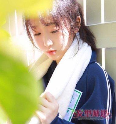 女生空气刘海扎马尾辫发型图片