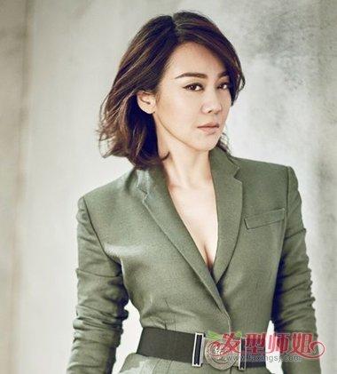 40岁陈数撞衫46岁闫妮输惨 闫妮减龄时尚中短发发型做图片