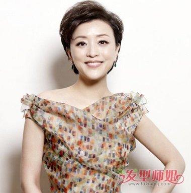 女强人梳短发最显气质与风度 杨澜中年职场短发发型沉稳优雅(4)图片