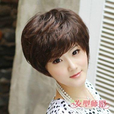 头发细少适合什么发型 四十岁女人发型头发细少(3)图片