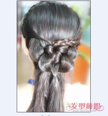 夏天长直发清凉简单盘法  图解1:前面的头发编出了发箍辫子,在头发的图片