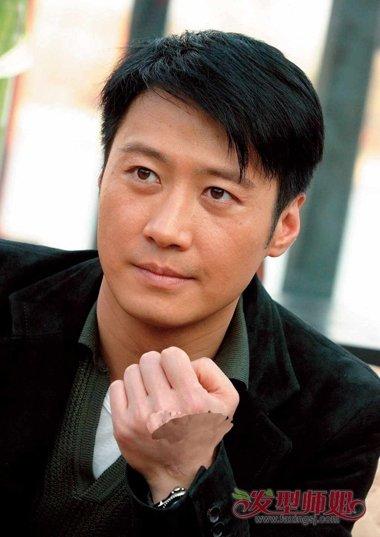 >> 香港男明星四大天王30岁时发型照片 时尚男明星造型图片   郭富城