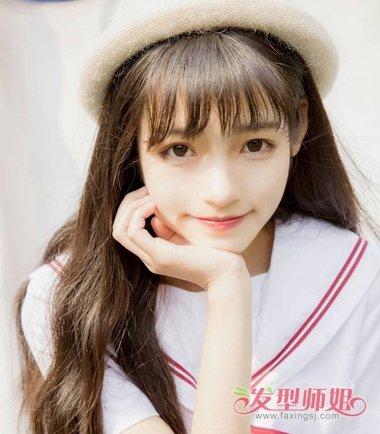 齐刘海,梳着马尾辫,头发扎起刚好到背部的动漫女孩图片图片